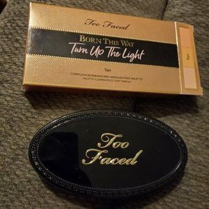 TOO FACED Turn Up the Light Highlight Palette TAN